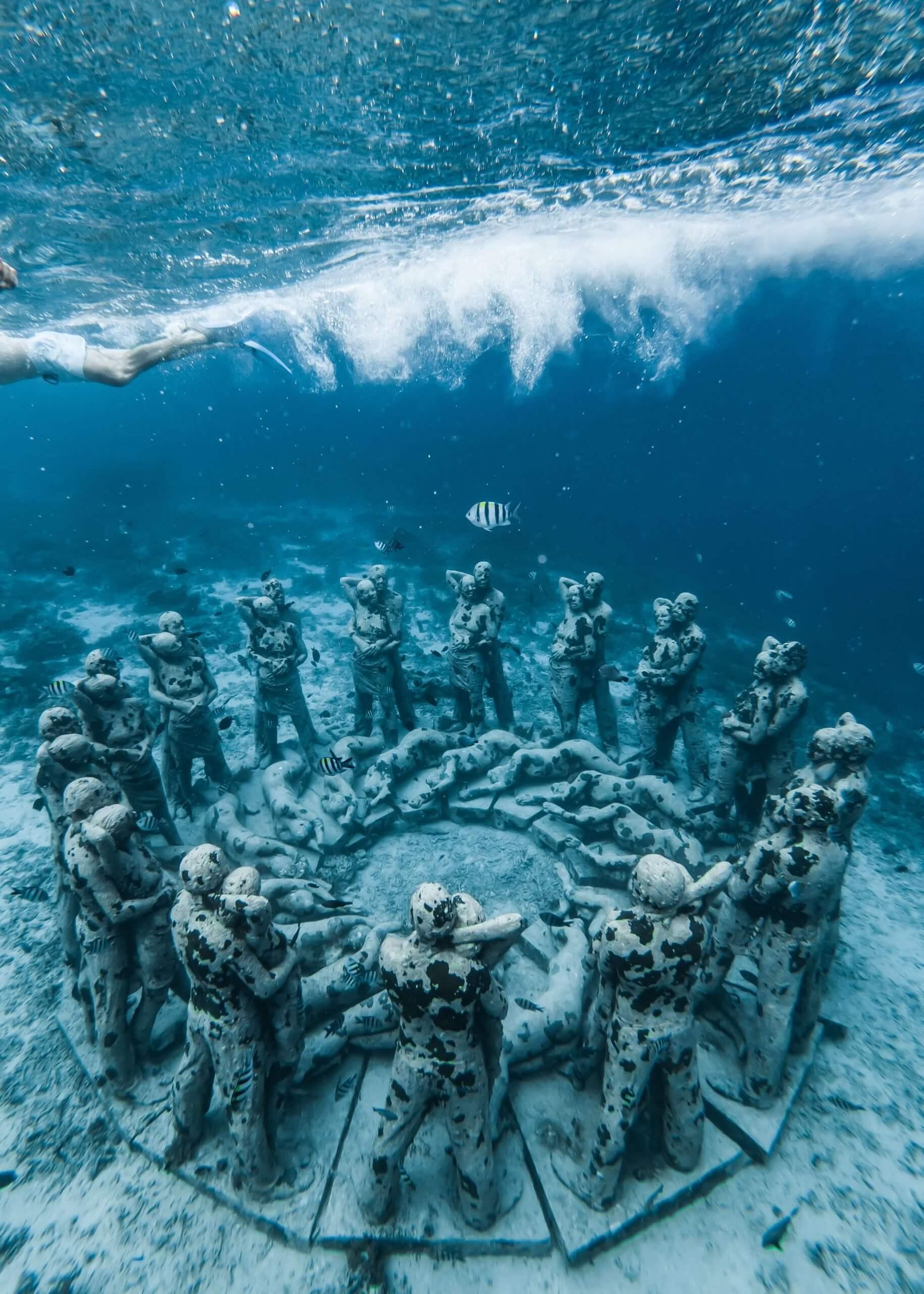 Buceo-en-Bali-esculturas-oceánicas
