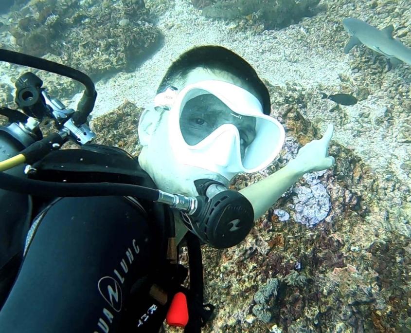Sergio-buceador-avista-el-tiburón