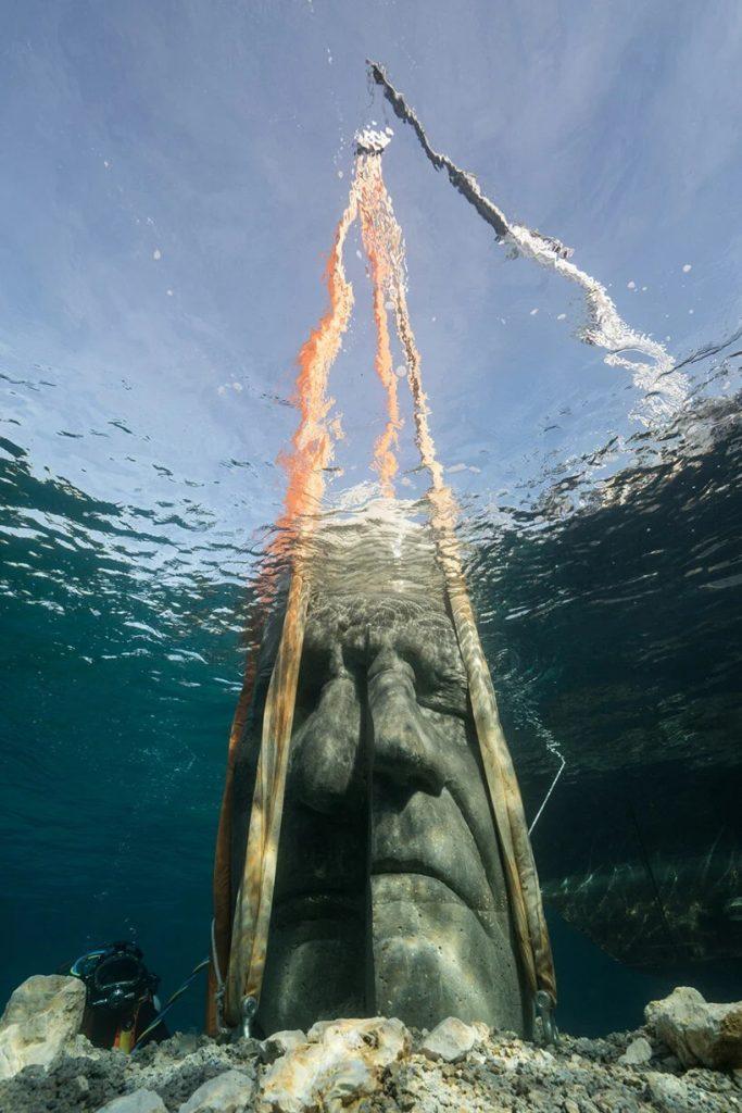 Instalación-de-esculturas-submarinas