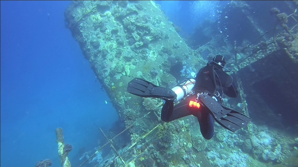 Submarinismo-en-Pecios-con-Sidemount