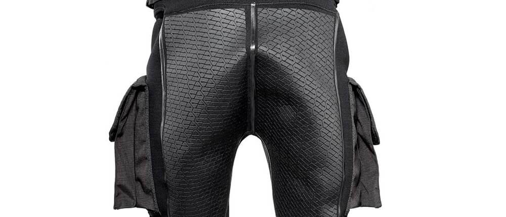 Vista-trasera-pantalones-de-buceo-Apeks