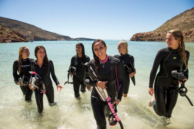 Grupo-femenino-de-submarinistas