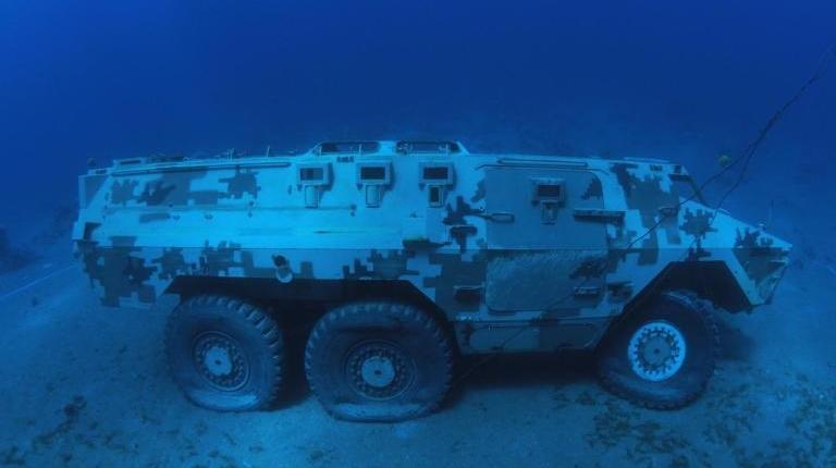 Tanque-de-guerra-sumergido-1