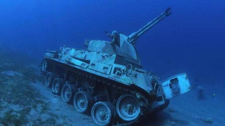 Tanque-de-guerra-sumergido-2