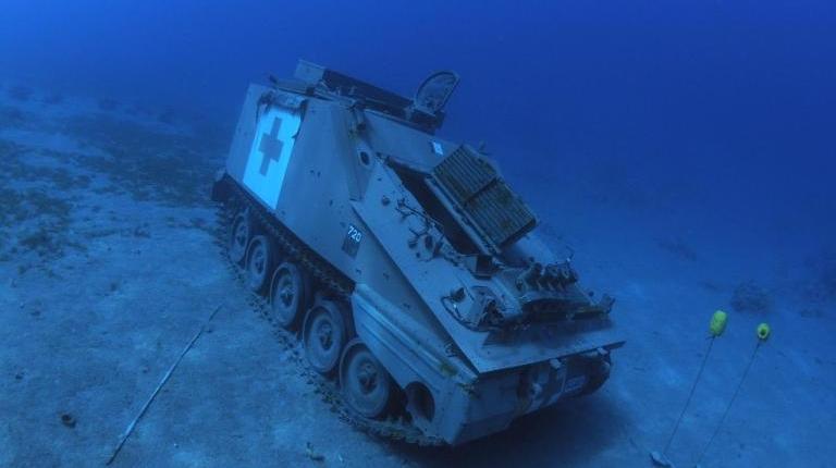 Tanque-de-guerra-sumergido-3